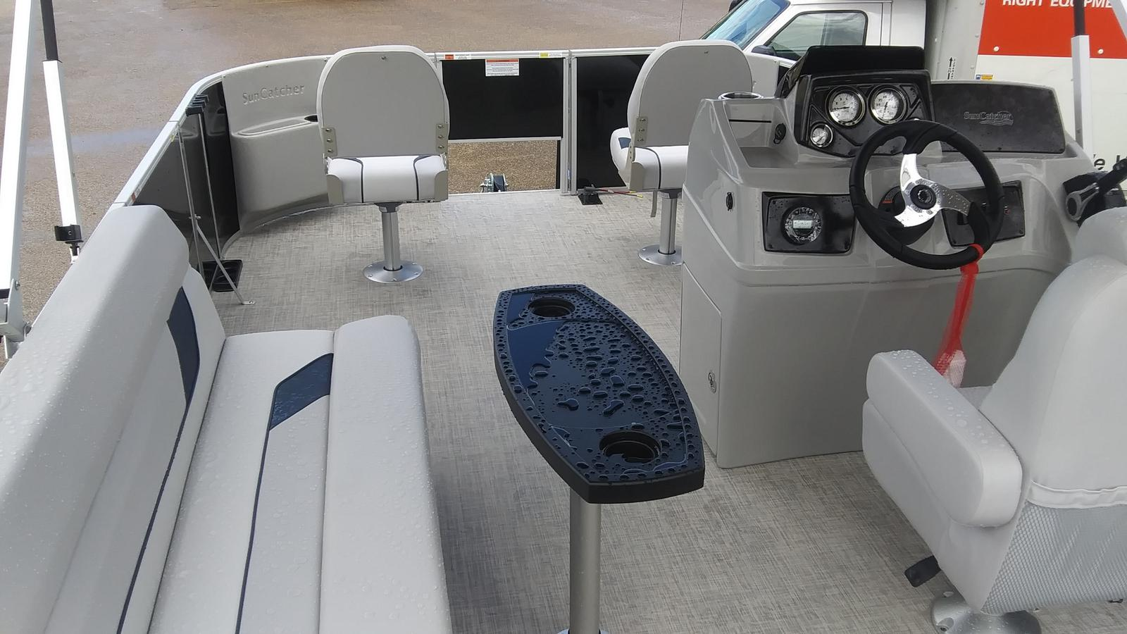 2021 SunCatcher boat for sale, model of the boat is Select 18f & Image # 4 of 7