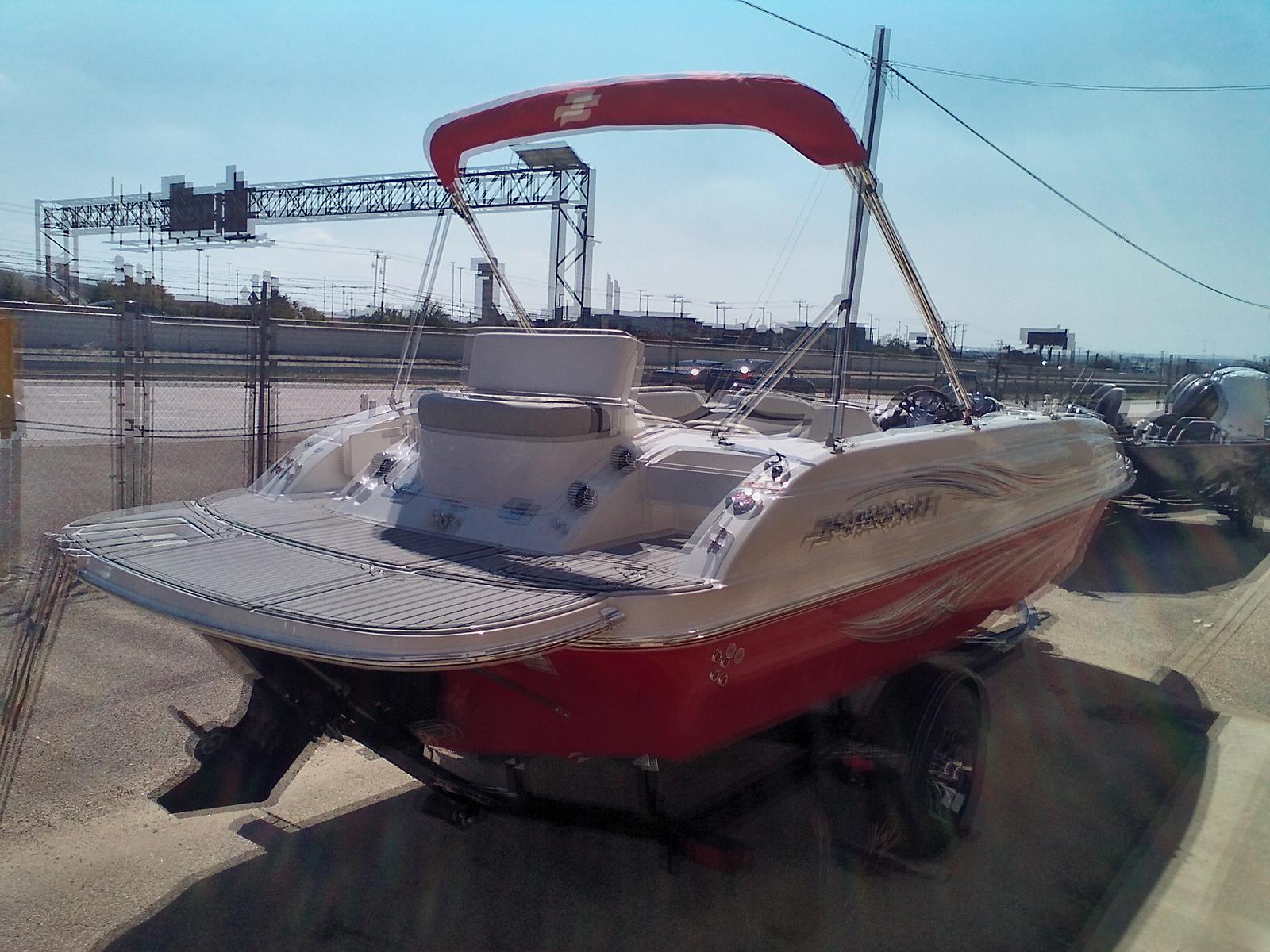 2021 Starcraft boat for sale, model of the boat is Limited 2000 I/O & Image # 3 of 7