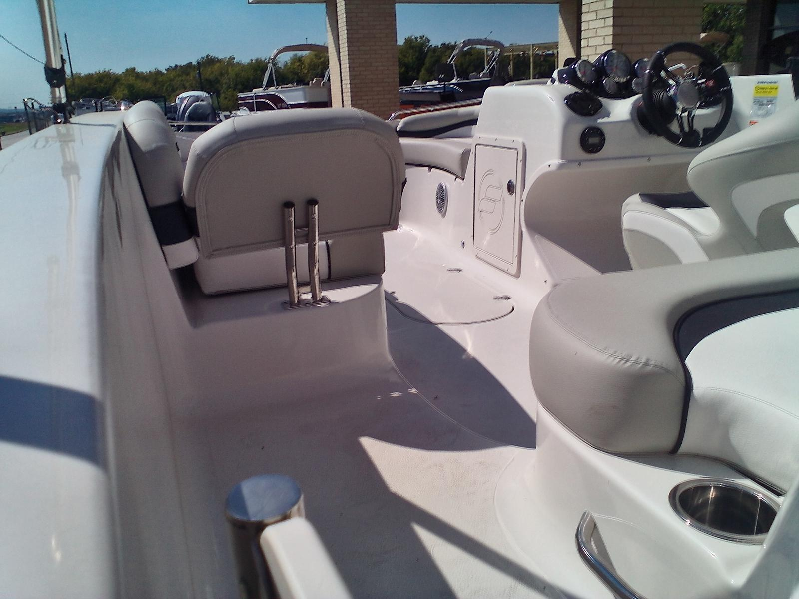 2021 Starcraft boat for sale, model of the boat is Limited 2000 I/O & Image # 5 of 7