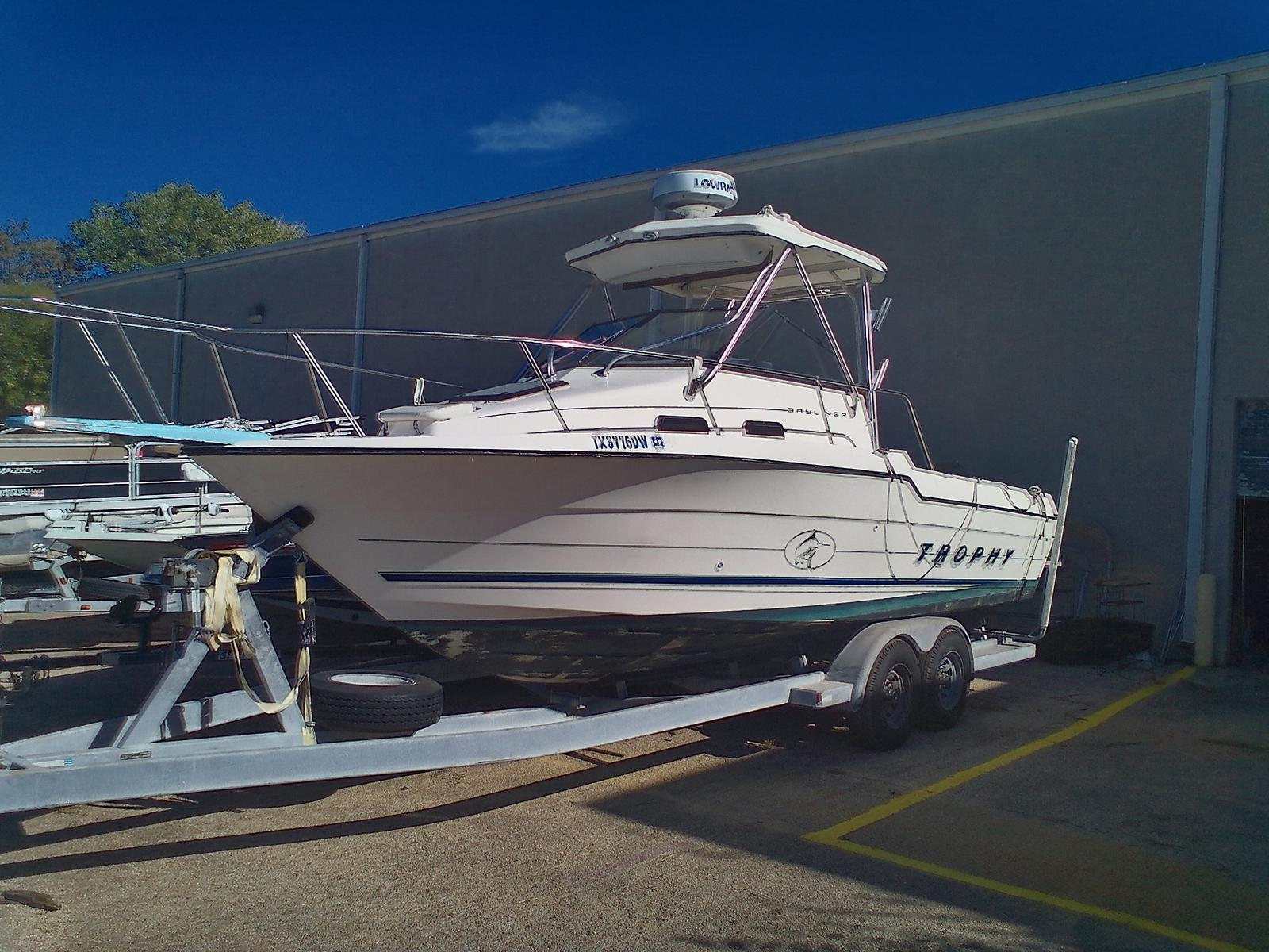 1996 BAYLINER TROPHY 2502 for sale