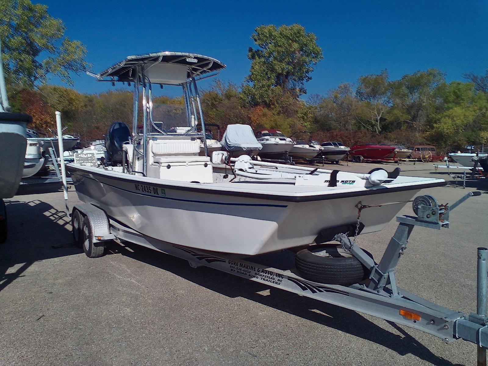 2008 Riddick boat for sale, model of the boat is Bay Runner 2290 & Image # 3 of 6