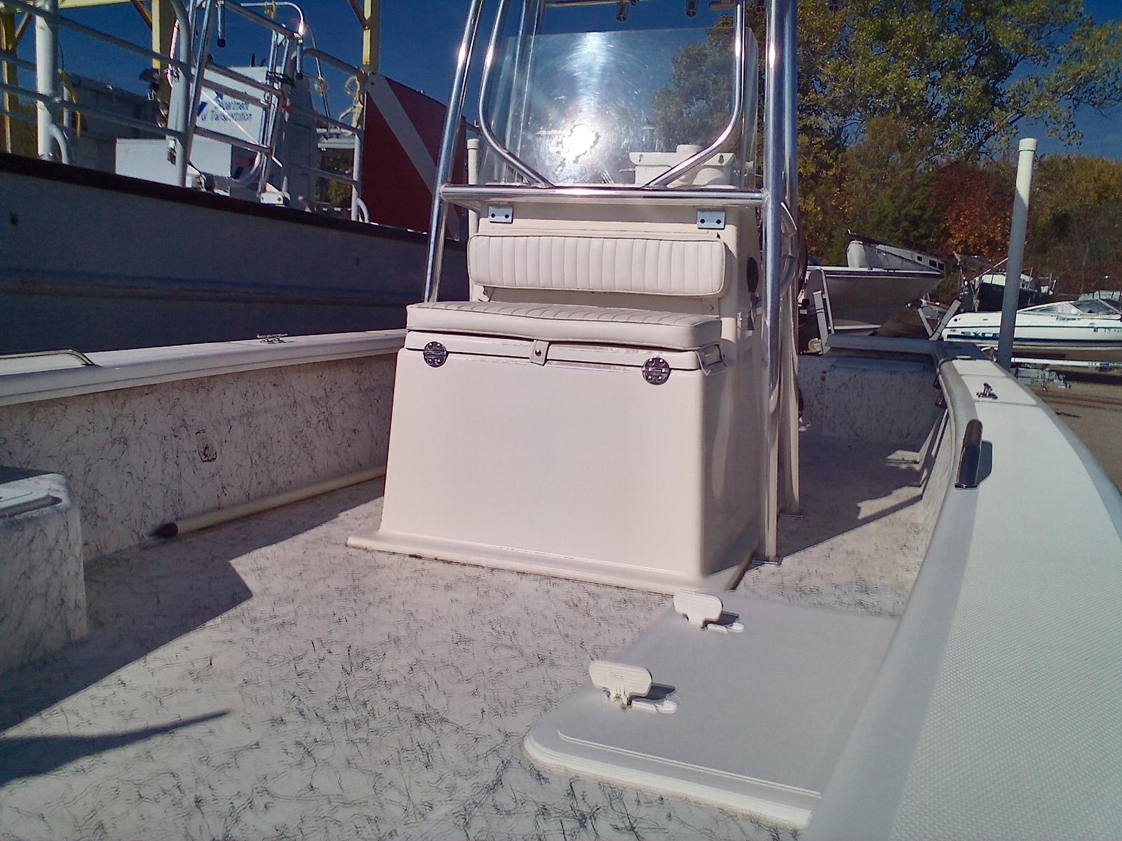 2008 Riddick boat for sale, model of the boat is Bay Runner 2290 & Image # 5 of 6