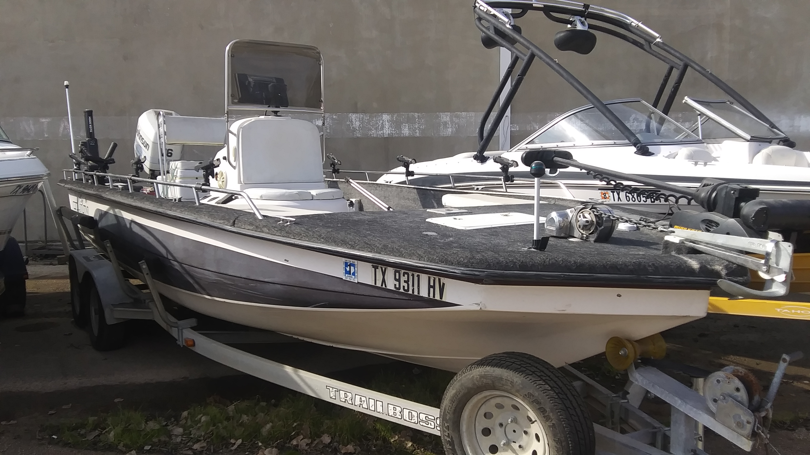 1997 Cajun boat for sale, model of the boat is Fishmaster 2300 & Image # 1 of 2