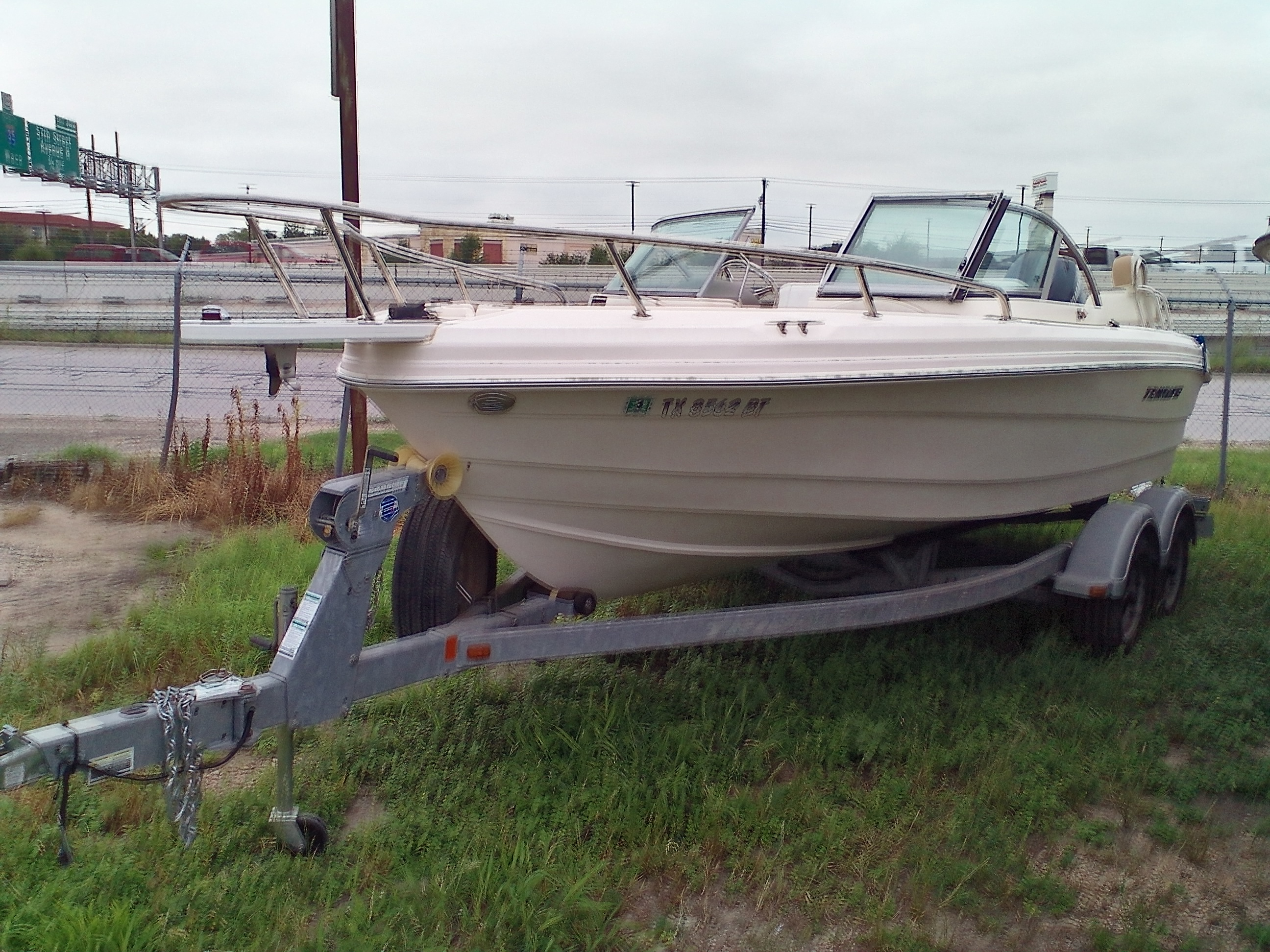 2012 Triumph boat for sale, model of the boat is 195 DC & Image # 2 of 4
