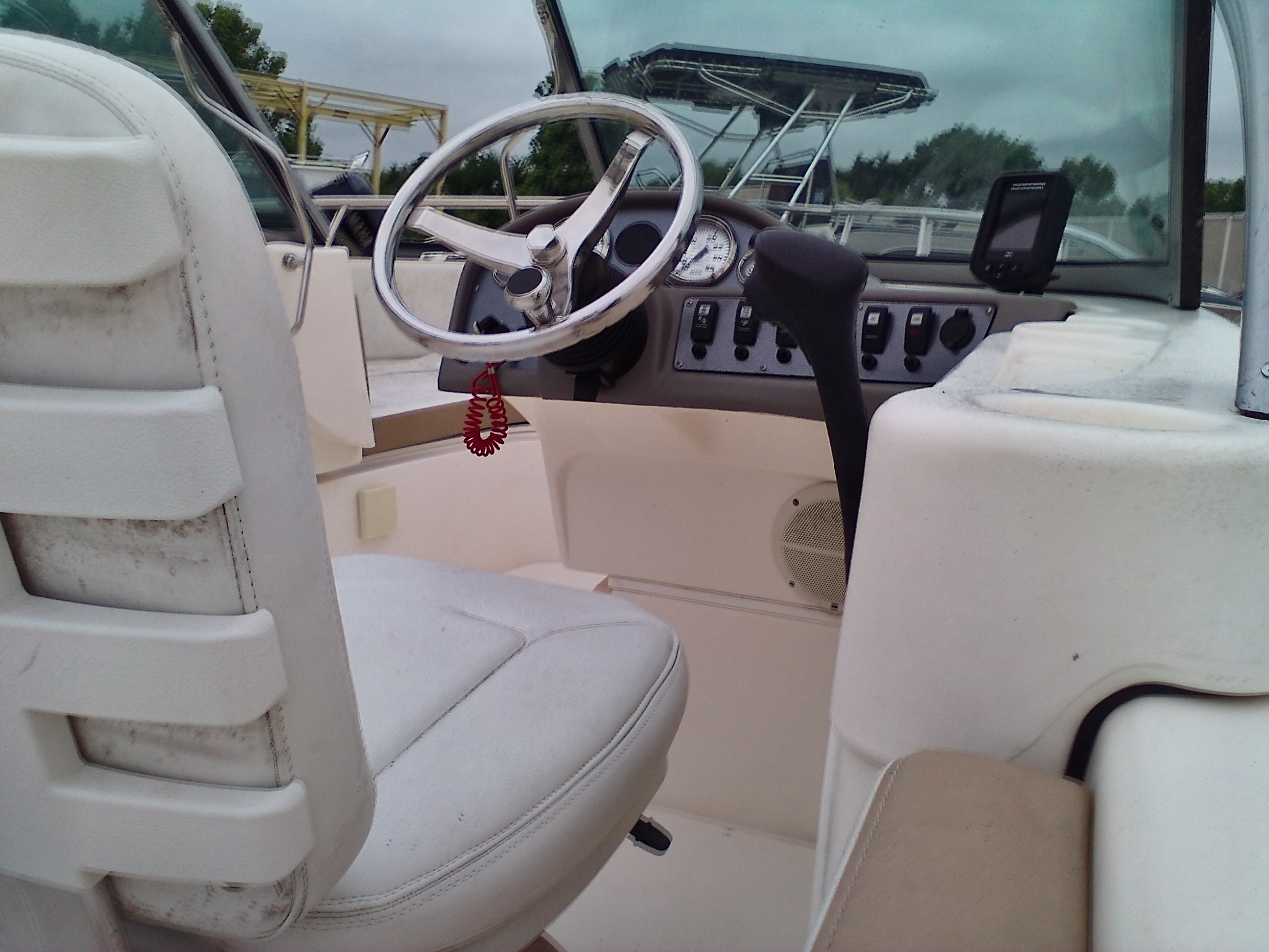 2012 Triumph boat for sale, model of the boat is 195 DC & Image # 4 of 4