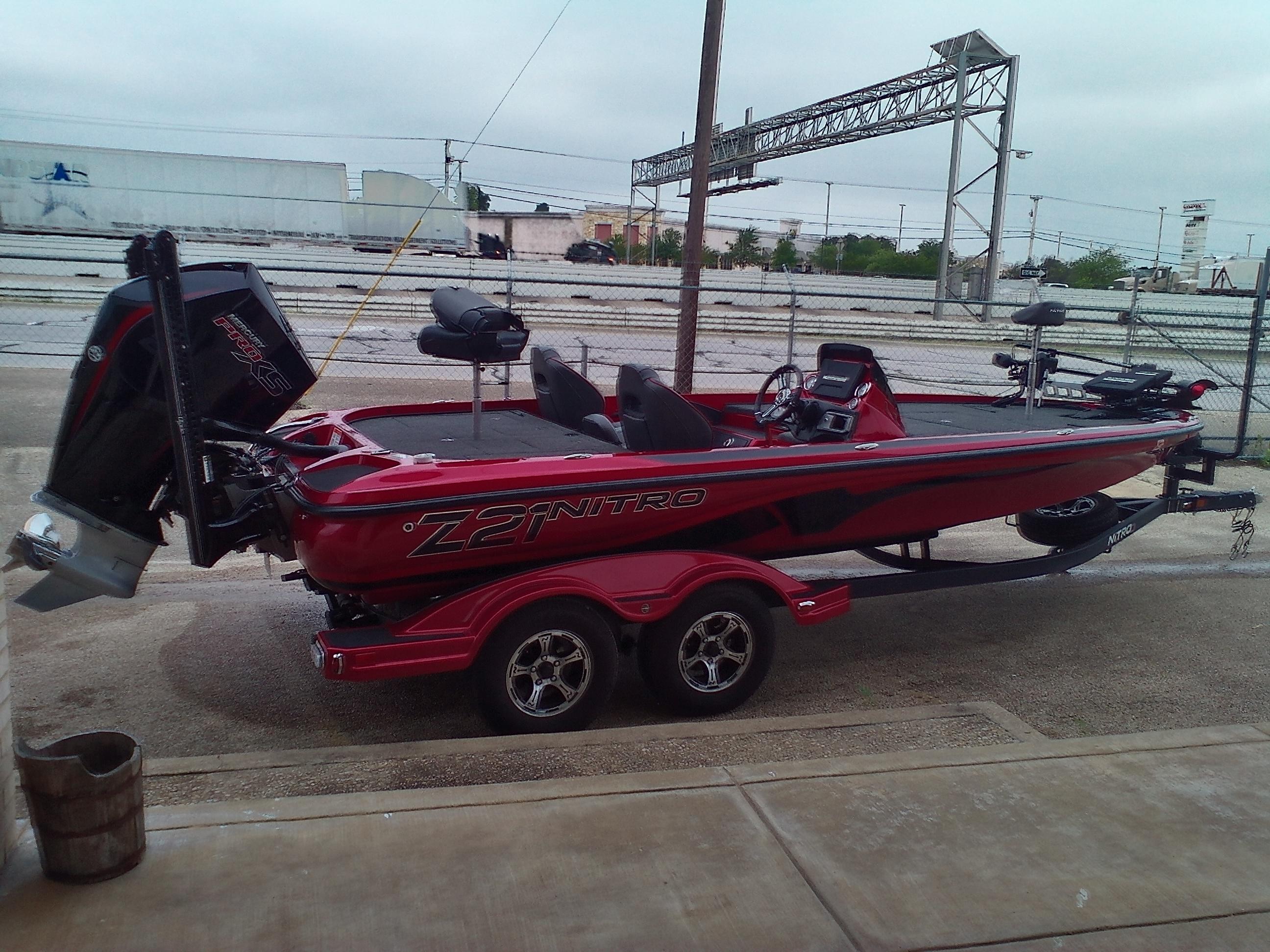 2020 Nitro boat for sale, model of the boat is Z21 & Image # 3 of 11