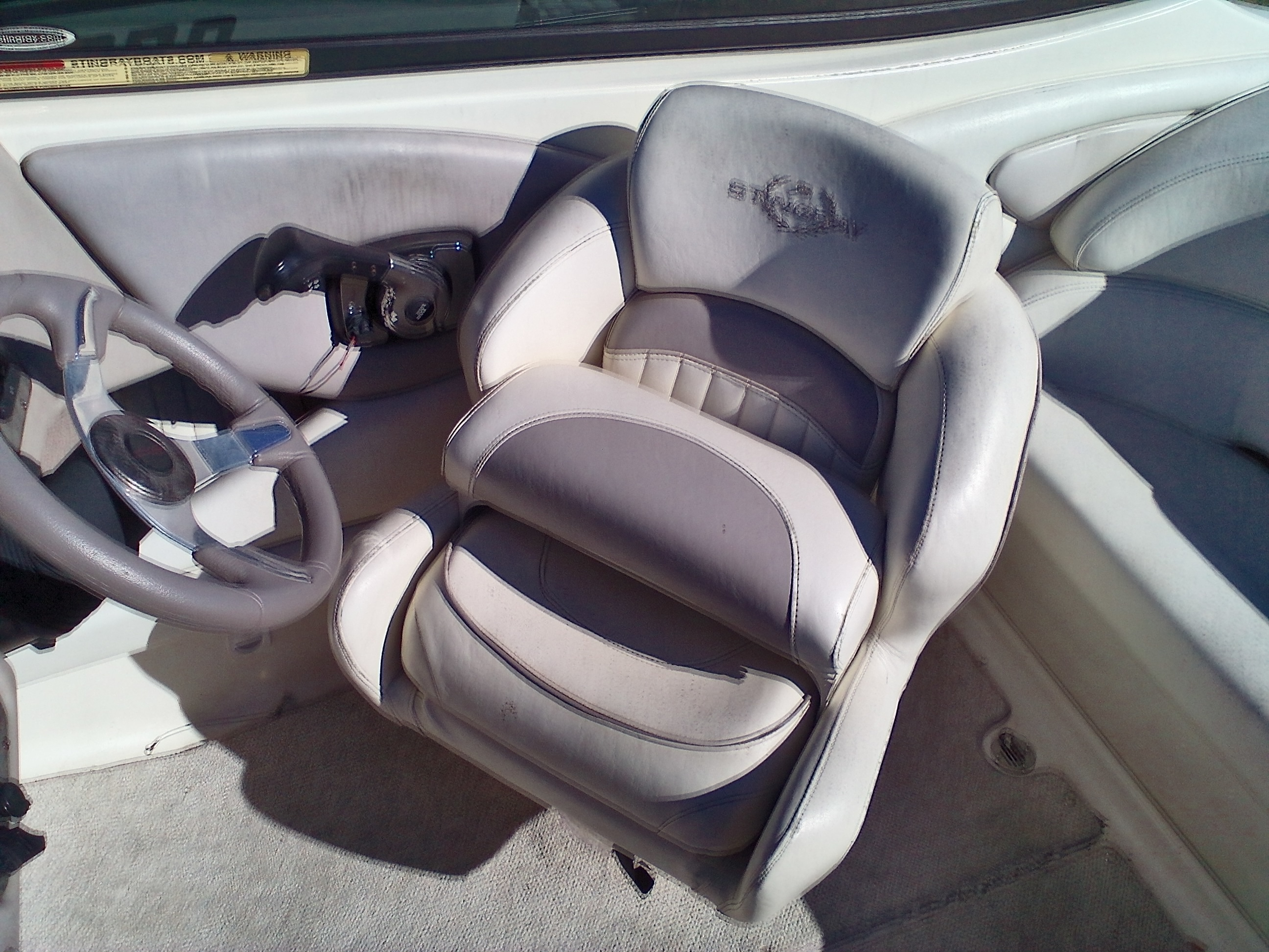2008 Stingray Boats boat for sale, model of the boat is 220SX & Image # 10 of 12