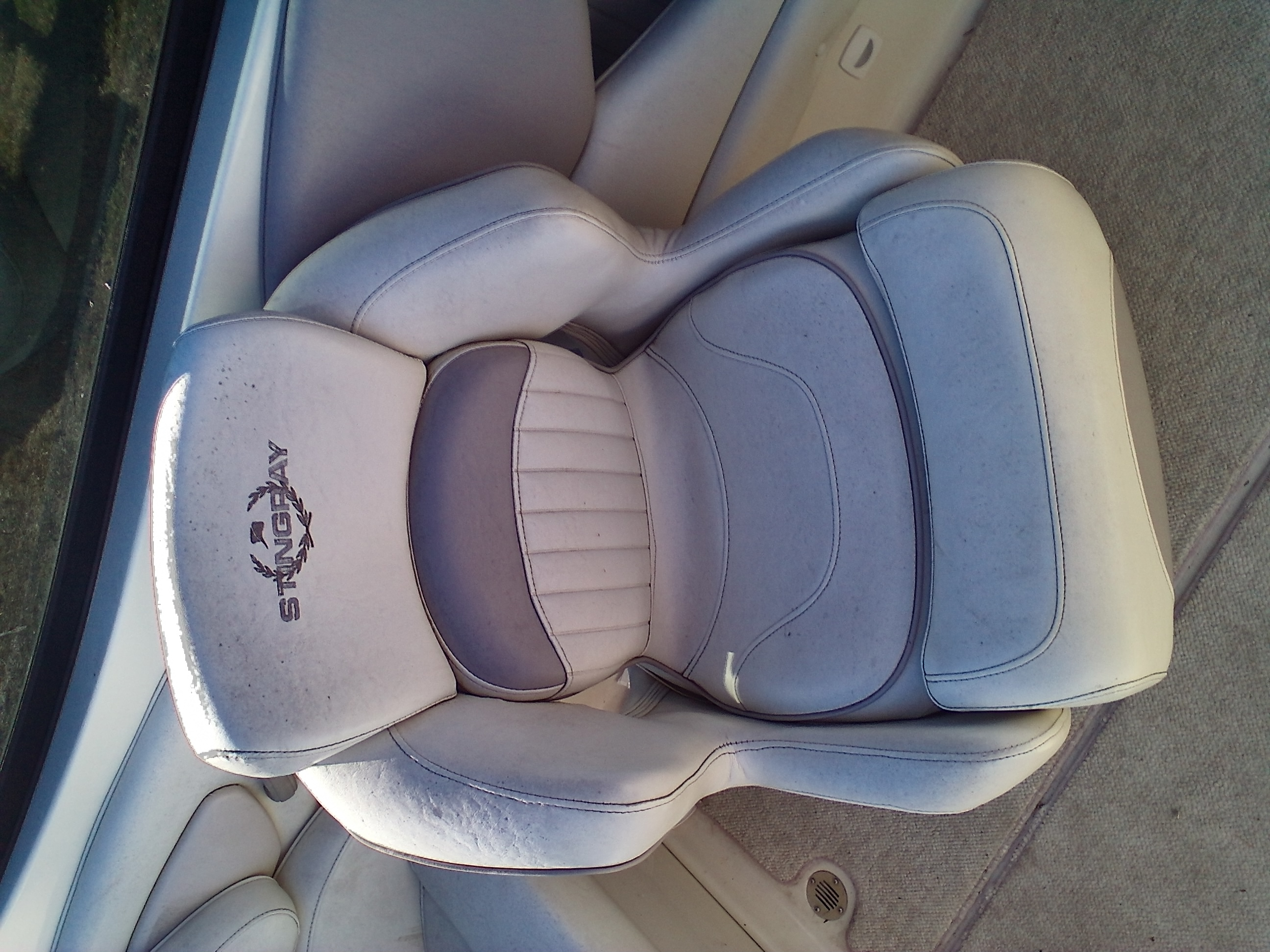 2008 Stingray Boats boat for sale, model of the boat is 220SX & Image # 11 of 12