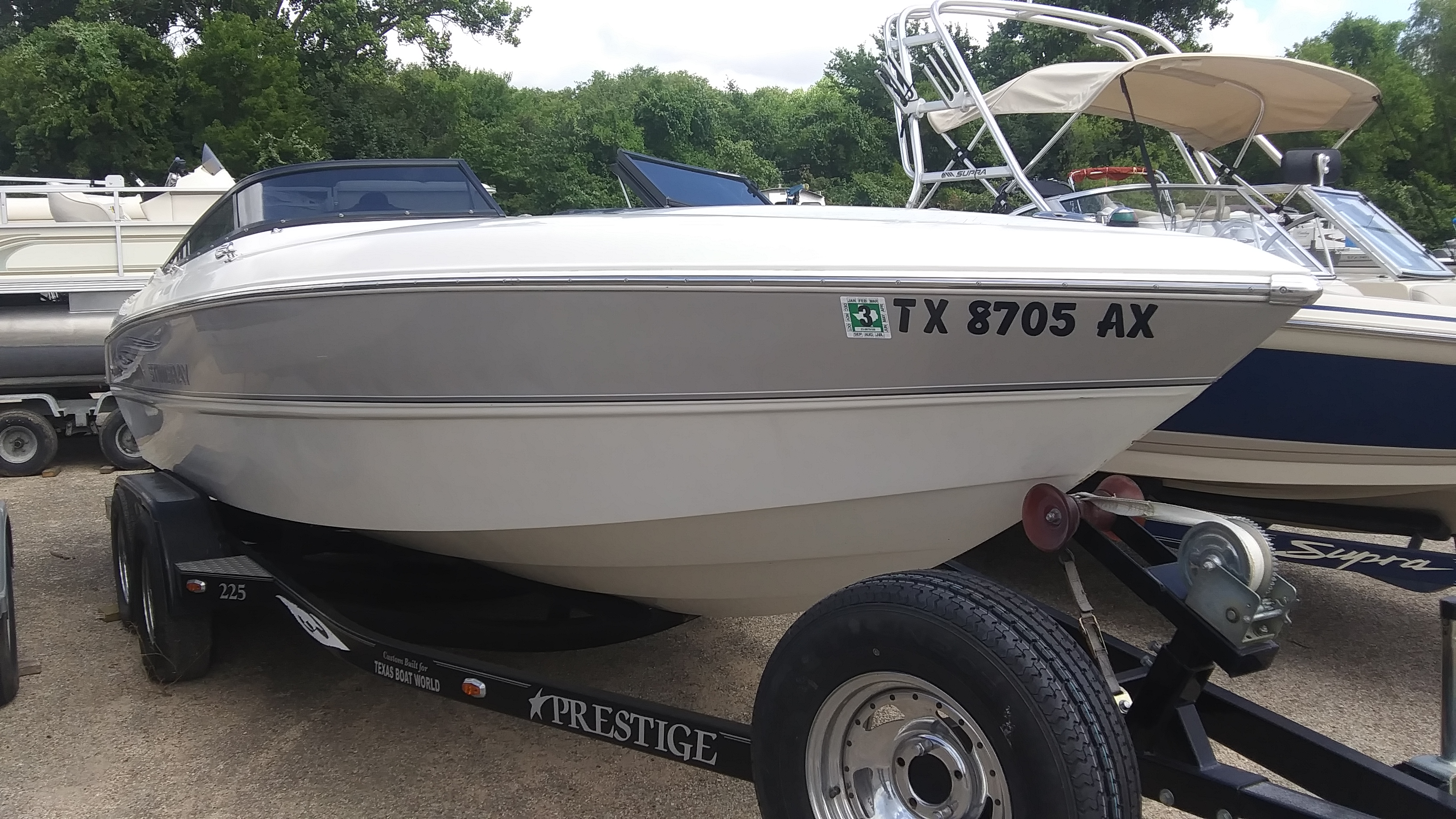 2008 Stingray Boats boat for sale, model of the boat is 220SX & Image # 2 of 12
