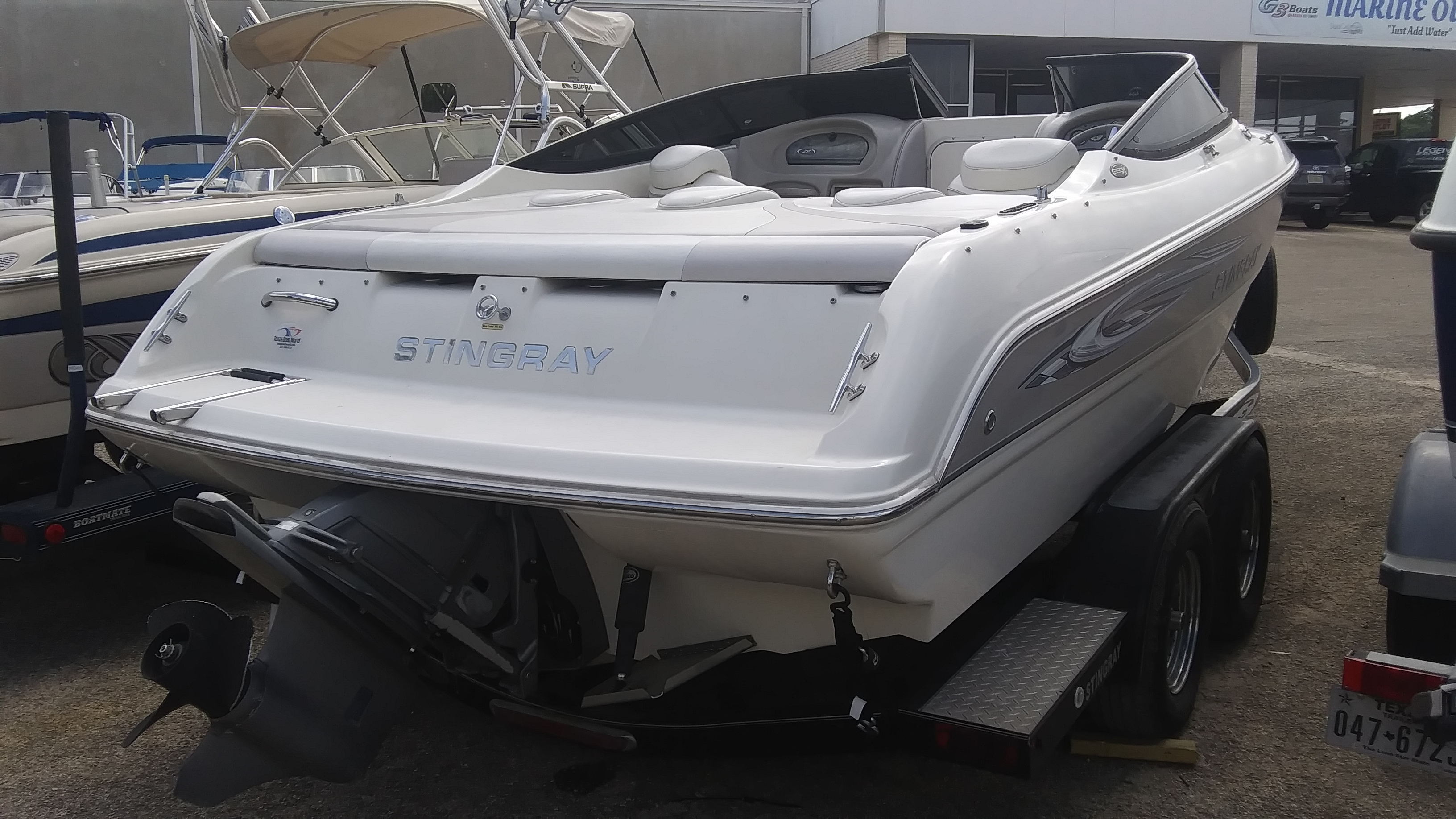 2008 Stingray Boats boat for sale, model of the boat is 220SX & Image # 3 of 12