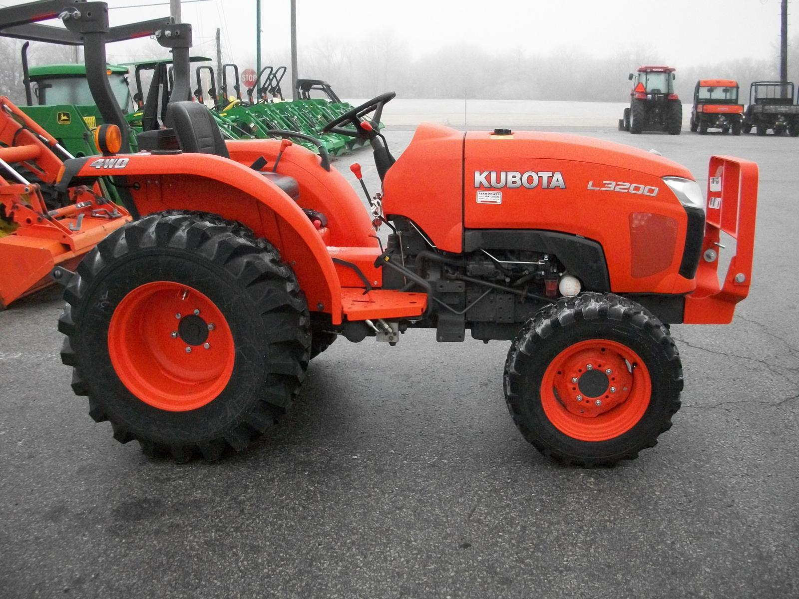 2013 kubota l3200 gear drive 4wd for sale in columbia mo farm rh fplal com Kubota L3200 with Loader 2013 Kubota L3240