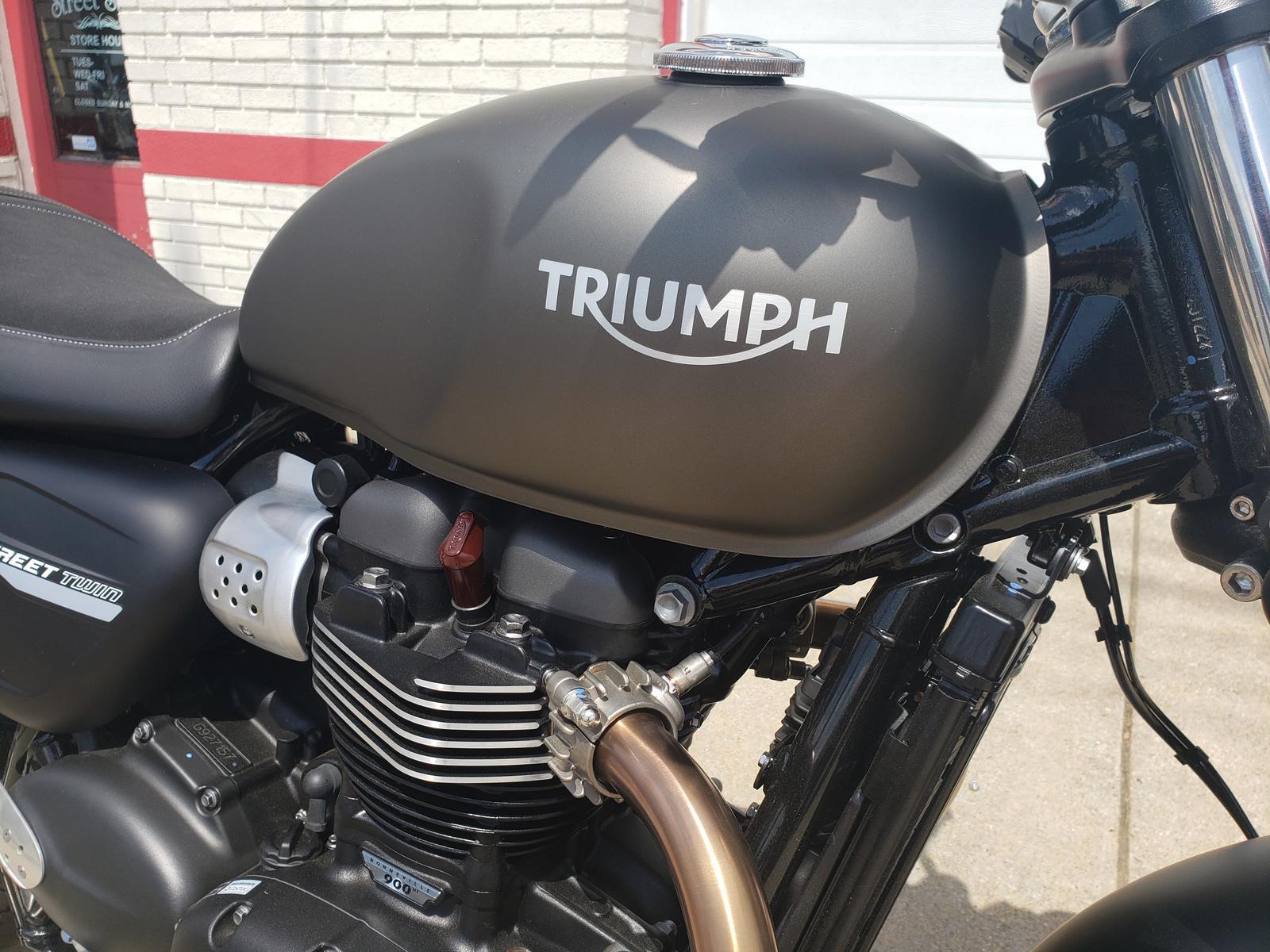 2019 Triumph Street Twin (Color)