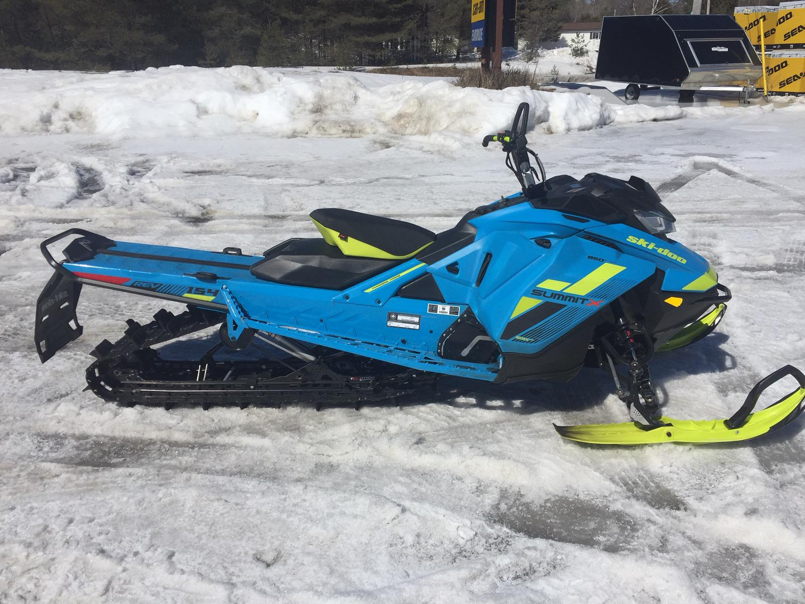 2018 Ski Doo SUMMIT X 850 | 1 of 2