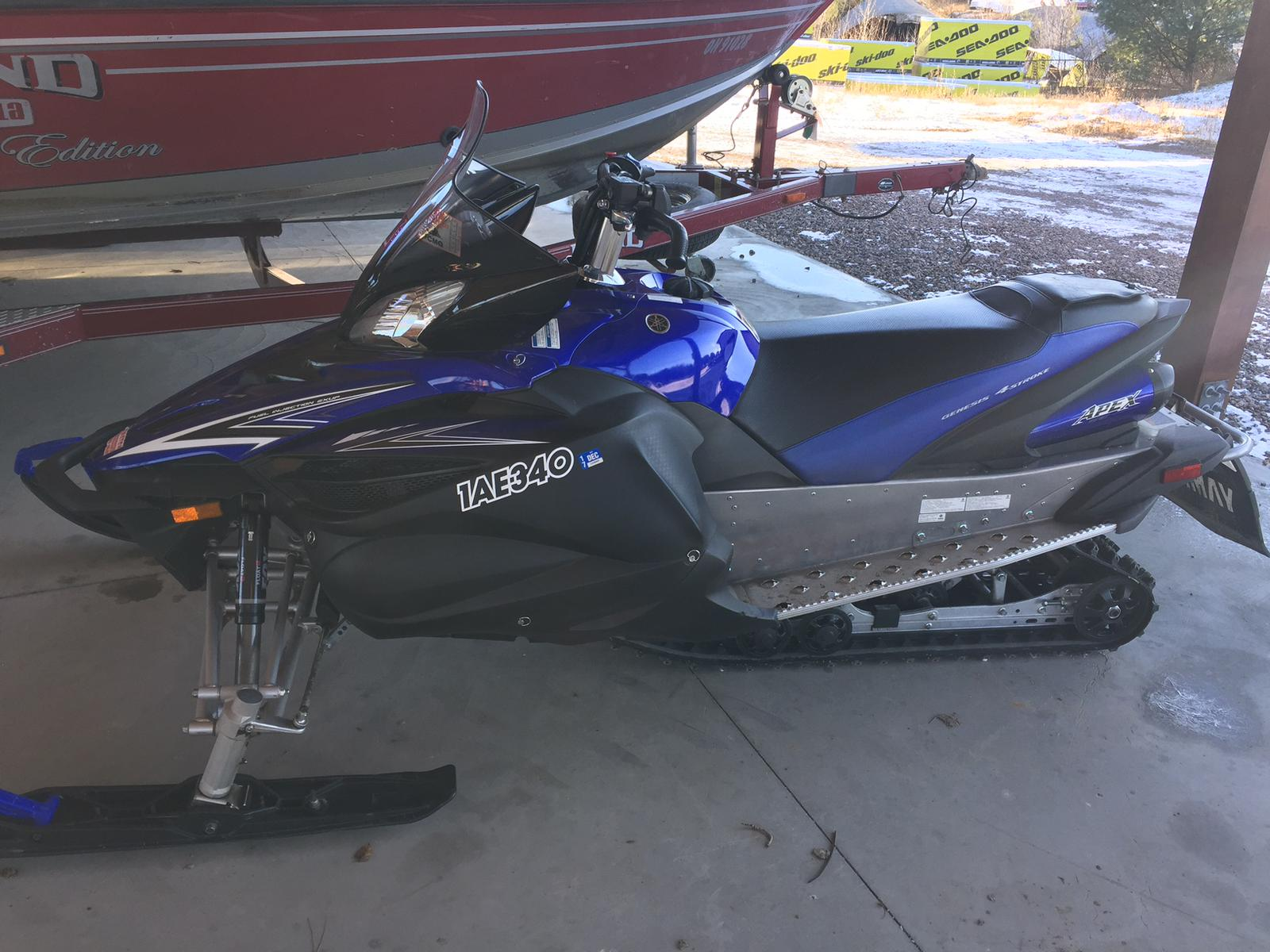 2011 Yamaha APEX SE | 1 of 2