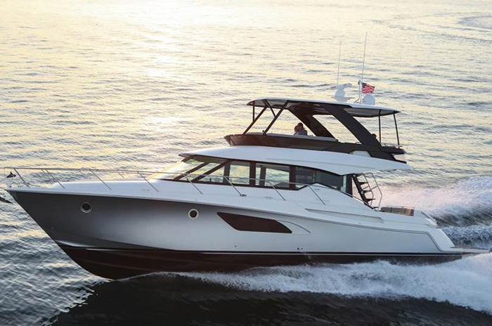 The F53 Flybridge