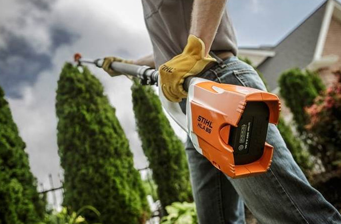 STIHL Commercial Battery Hedge Clippers