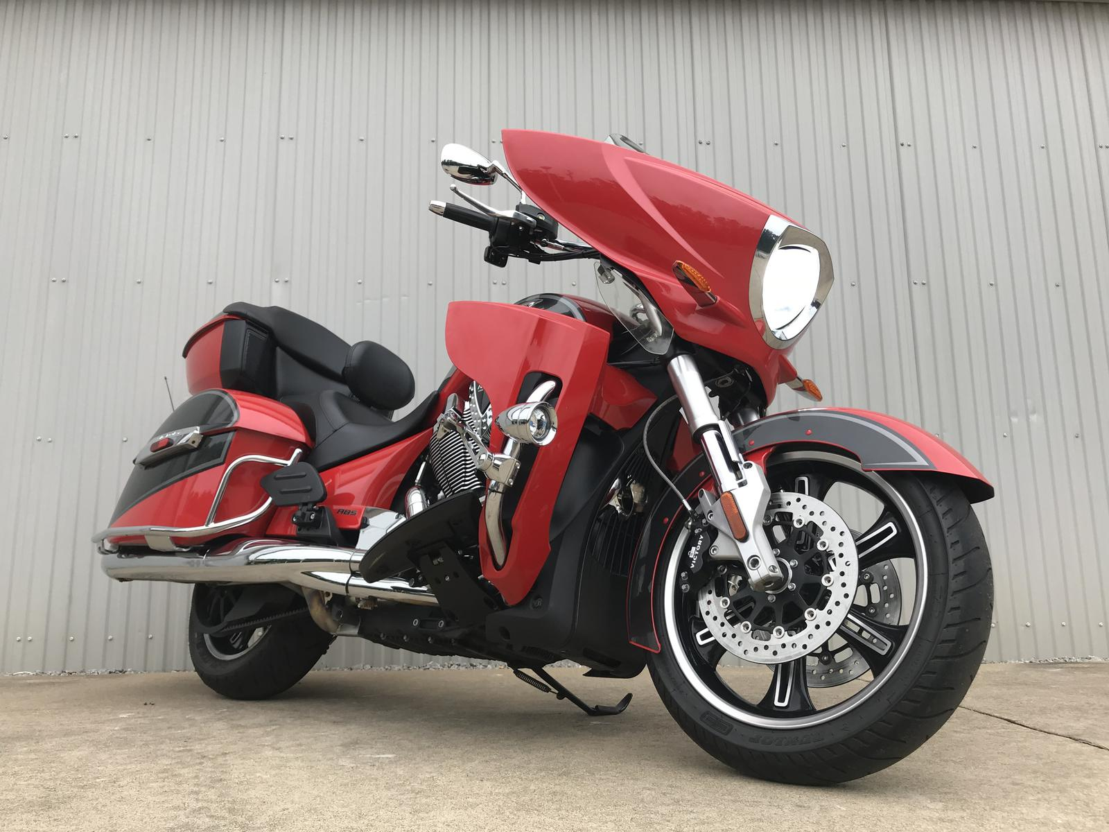 2015 Victory Motorcycles CROSS COUNTRY TOUR