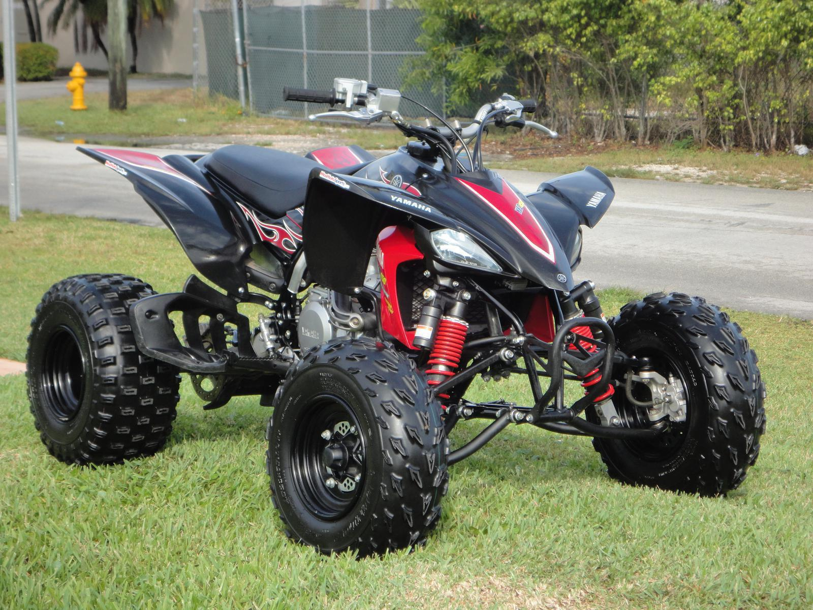 2012 yamaha raptor 700r & yfz450r special edition review video.