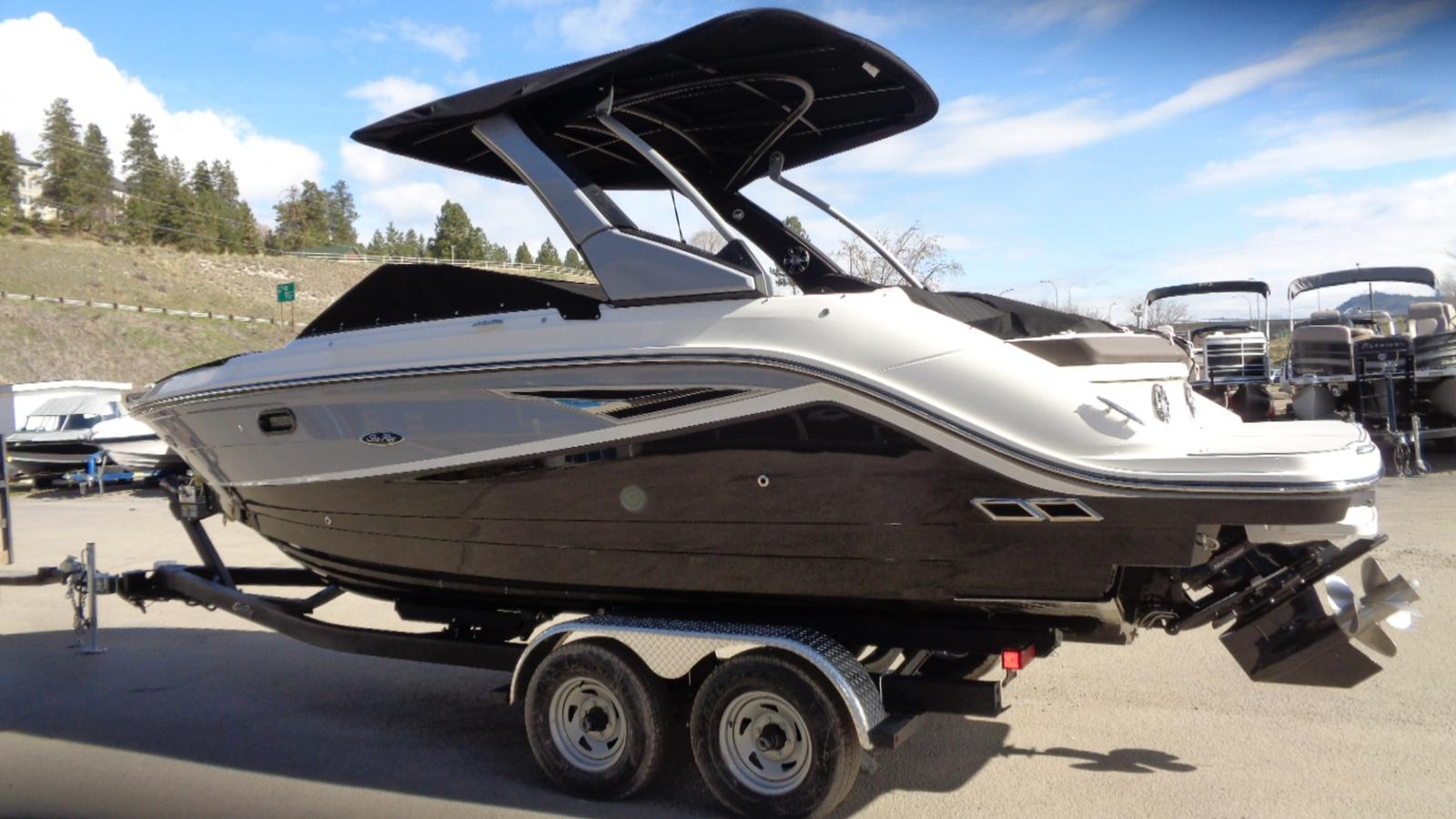 2019 Sea Ray boat for sale, model of the boat is SLX 250 & Image # 4 of 11