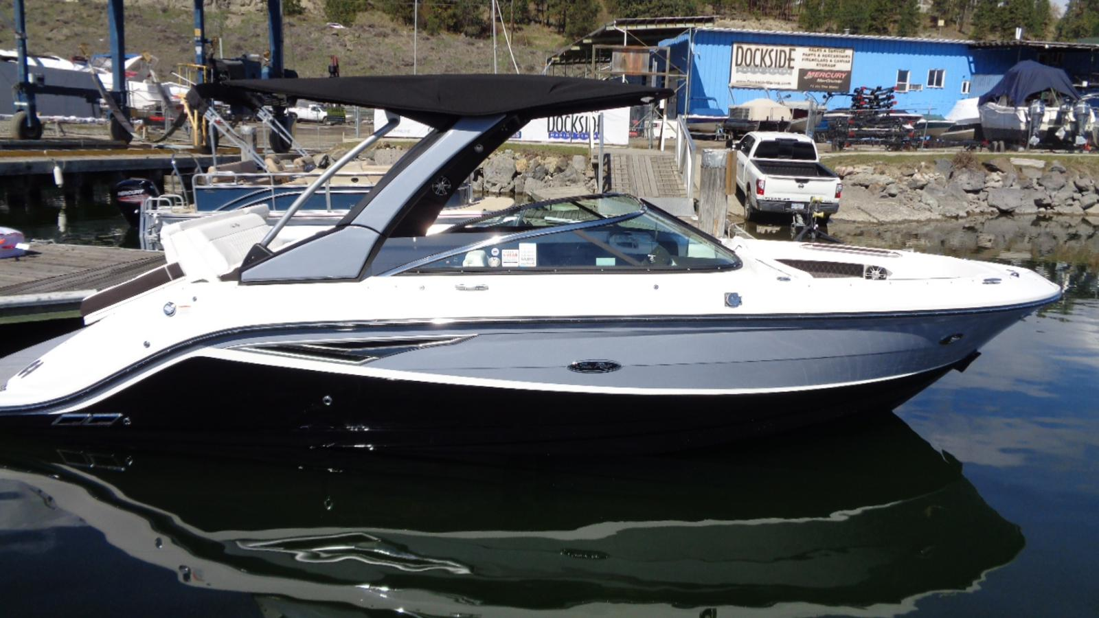 2019 Sea Ray boat for sale, model of the boat is SLX 250 & Image # 5 of 11