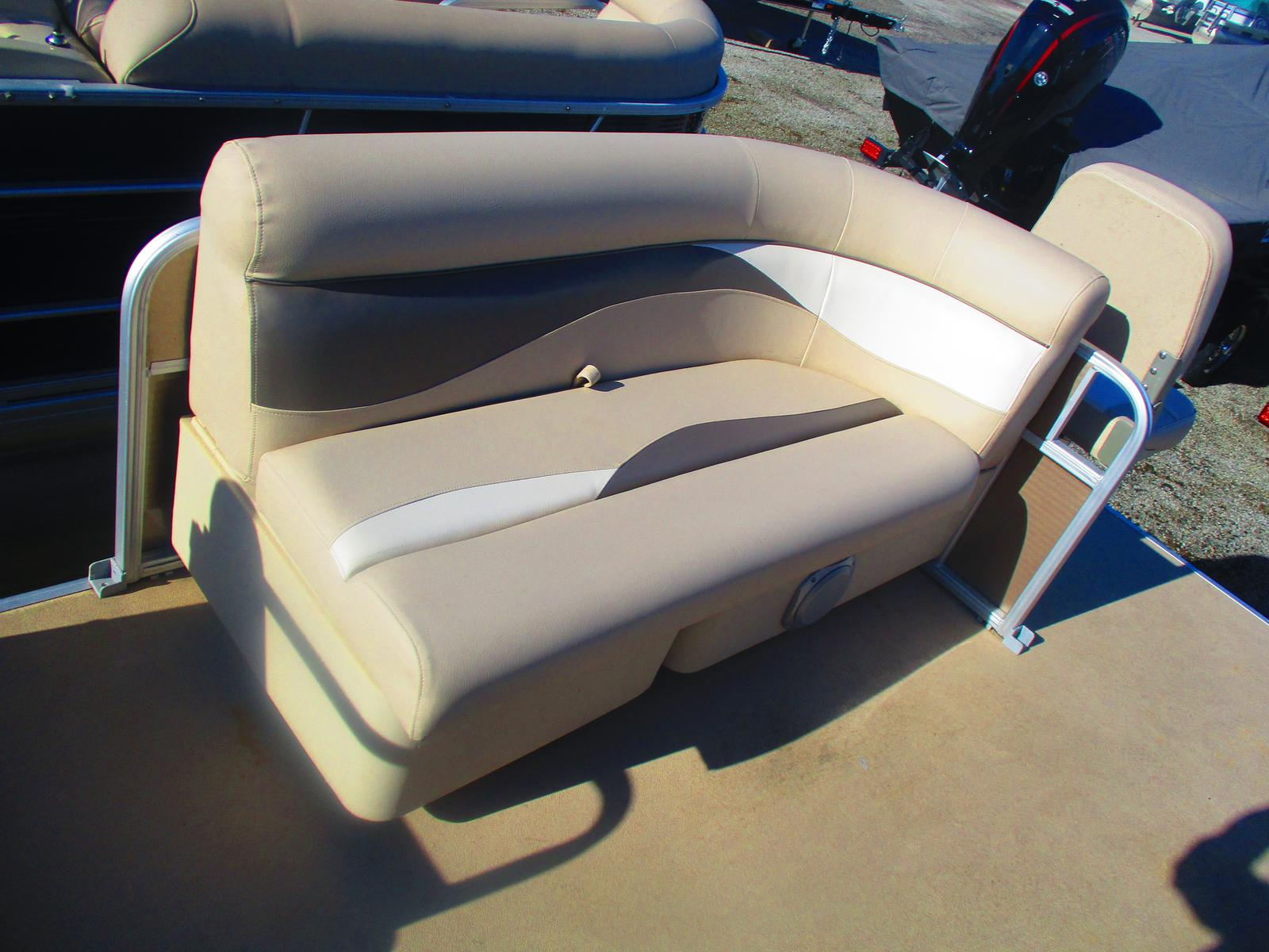 2013 Sweetwater boat for sale, model of the boat is Sweetwater SW 2086 BF & Image # 4 of 5