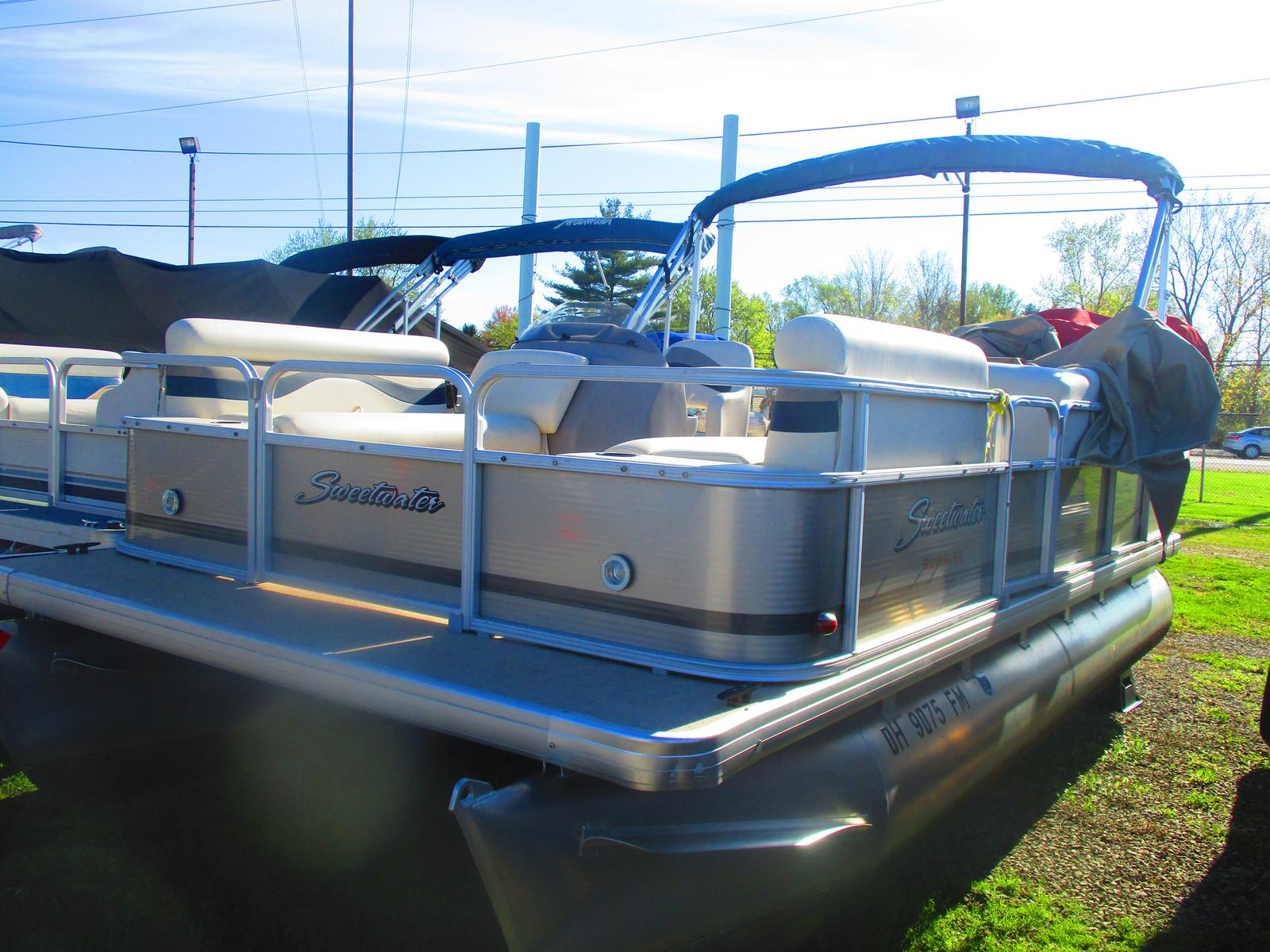 2014 Sweetwater boat for sale, model of the boat is Sunrise SW 186 C & Image # 2 of 3
