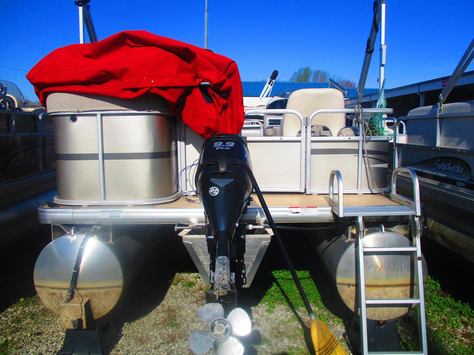 2014 Sweetwater boat for sale, model of the boat is Sunrise SW 186 C & Image # 3 of 3