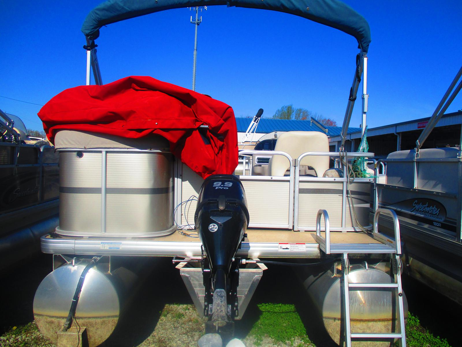 2014 Sweetwater boat for sale, model of the boat is Sunrise SW 186 C & Image # 1 of 3