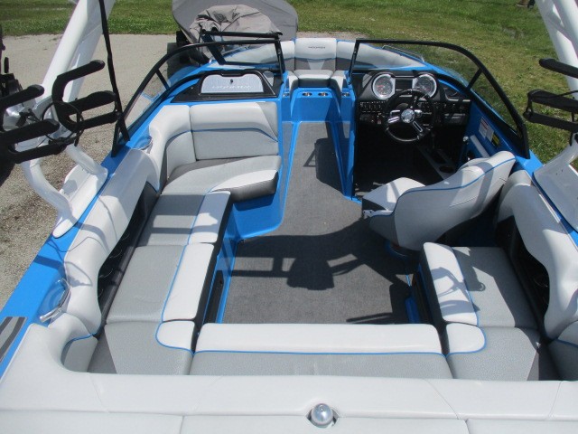 2017 Moomba boat for sale, model of the boat is Mondo & Image # 10 of 15