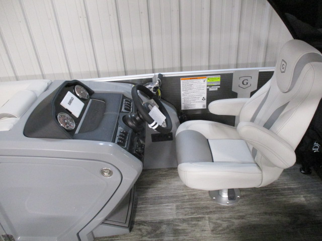 2021 Monaco boat for sale, model of the boat is Monaco 235 RL & Image # 5 of 6