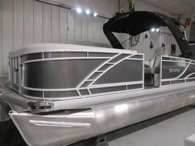 2021 Monaco boat for sale, model of the boat is Monaco 235 RL & Image # 1 of 6