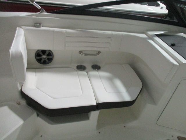 2019 Sea Ray boat for sale, model of the boat is SPX 190 & Image # 3 of 5