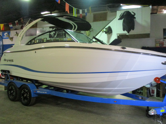 2019 Bryant boat for sale, model of the boat is CALANDRA & Image # 1 of 7