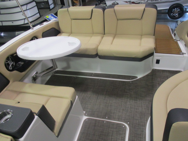 2019 Bryant boat for sale, model of the boat is CALANDRA & Image # 5 of 7