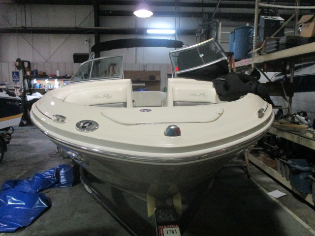 2006 Sea Ray boat for sale, model of the boat is 200 Select & Image # 8 of 9