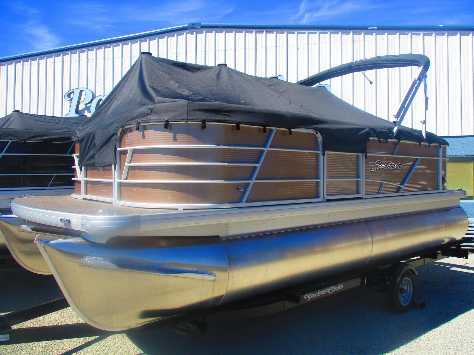 2019 Sweetwater boat for sale, model of the boat is SW 1886 C & Image # 1 of 2