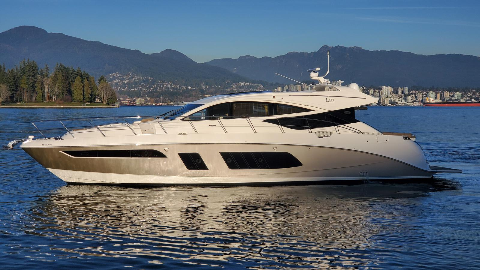 For Sale: 2015 Sea Ray L 650 66ft<br/>M & P Yacht Centre At Coal Harbour