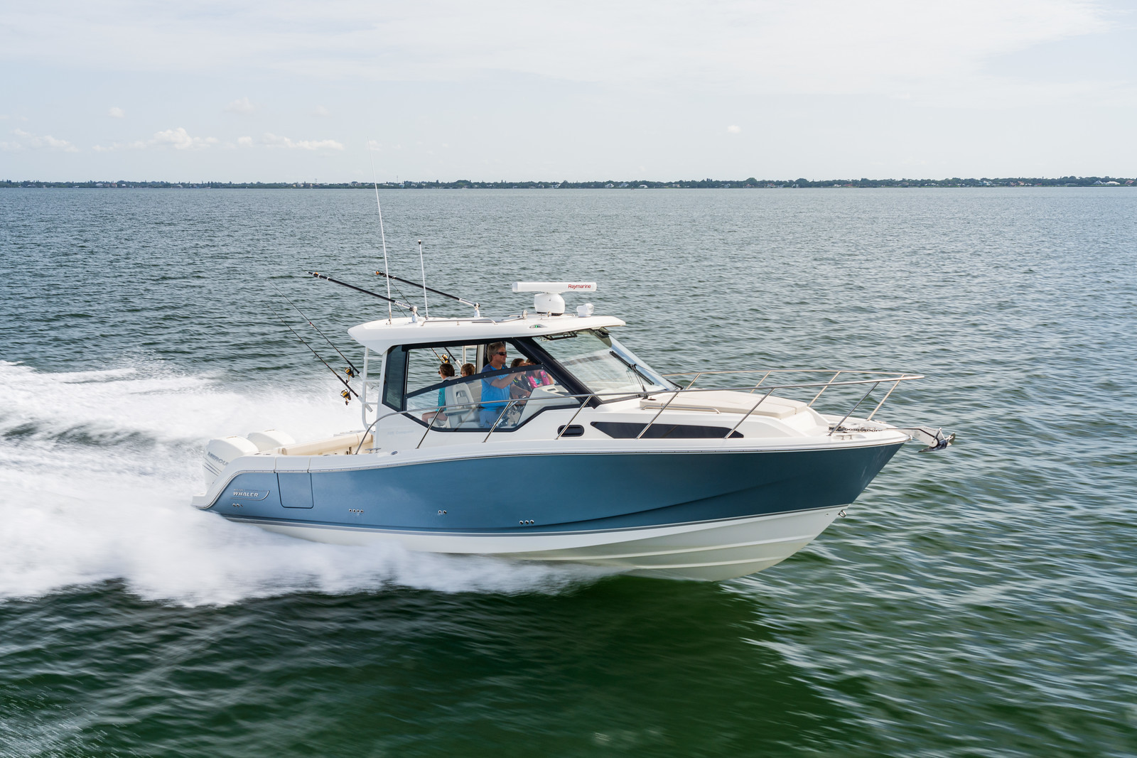 2021 BOSTON WHALER 325 CONQUEST for sale