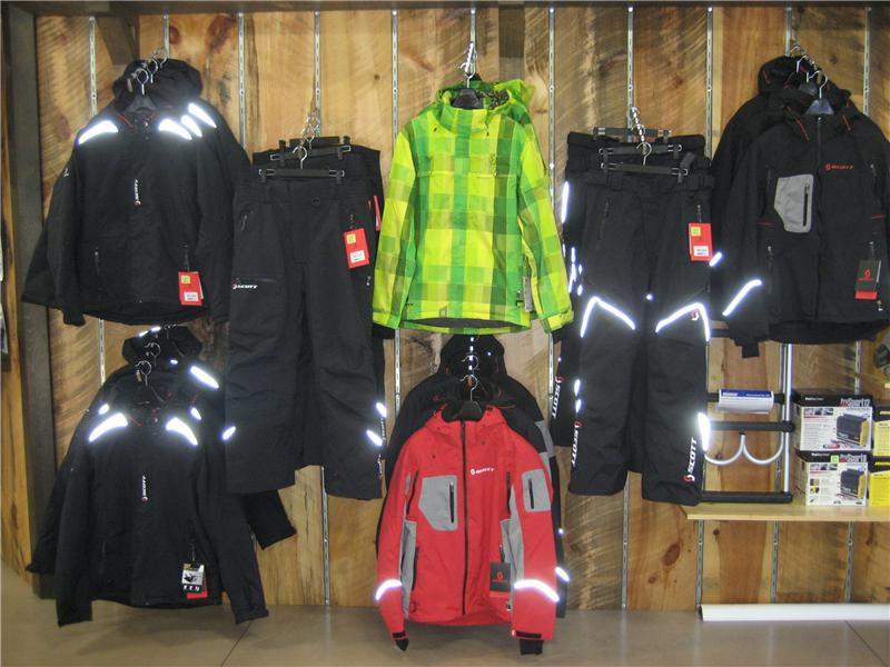 Highend snowmobile gear by Scott