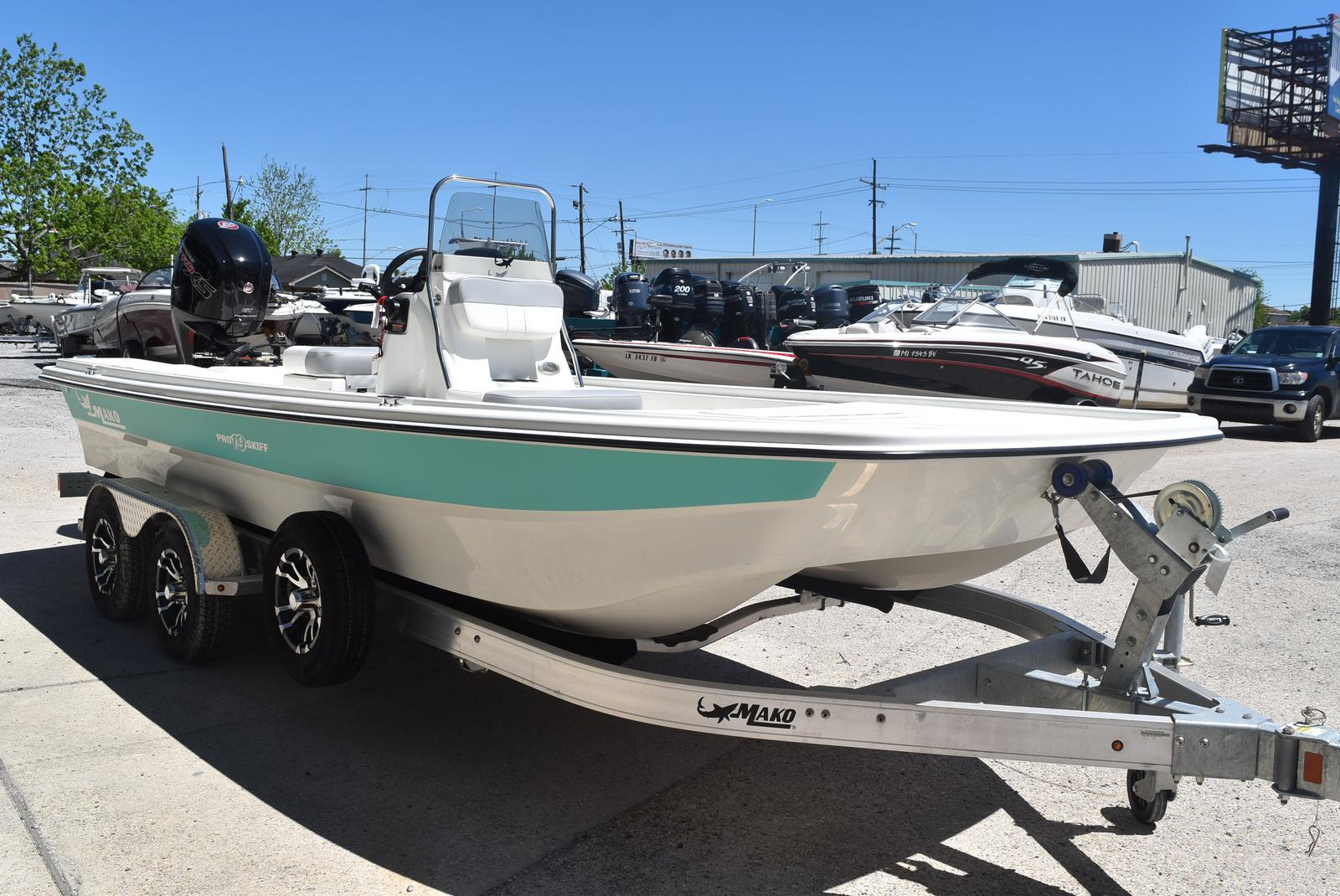 New  2019 Mako Boats Bay Boat in Marrero, Louisiana
