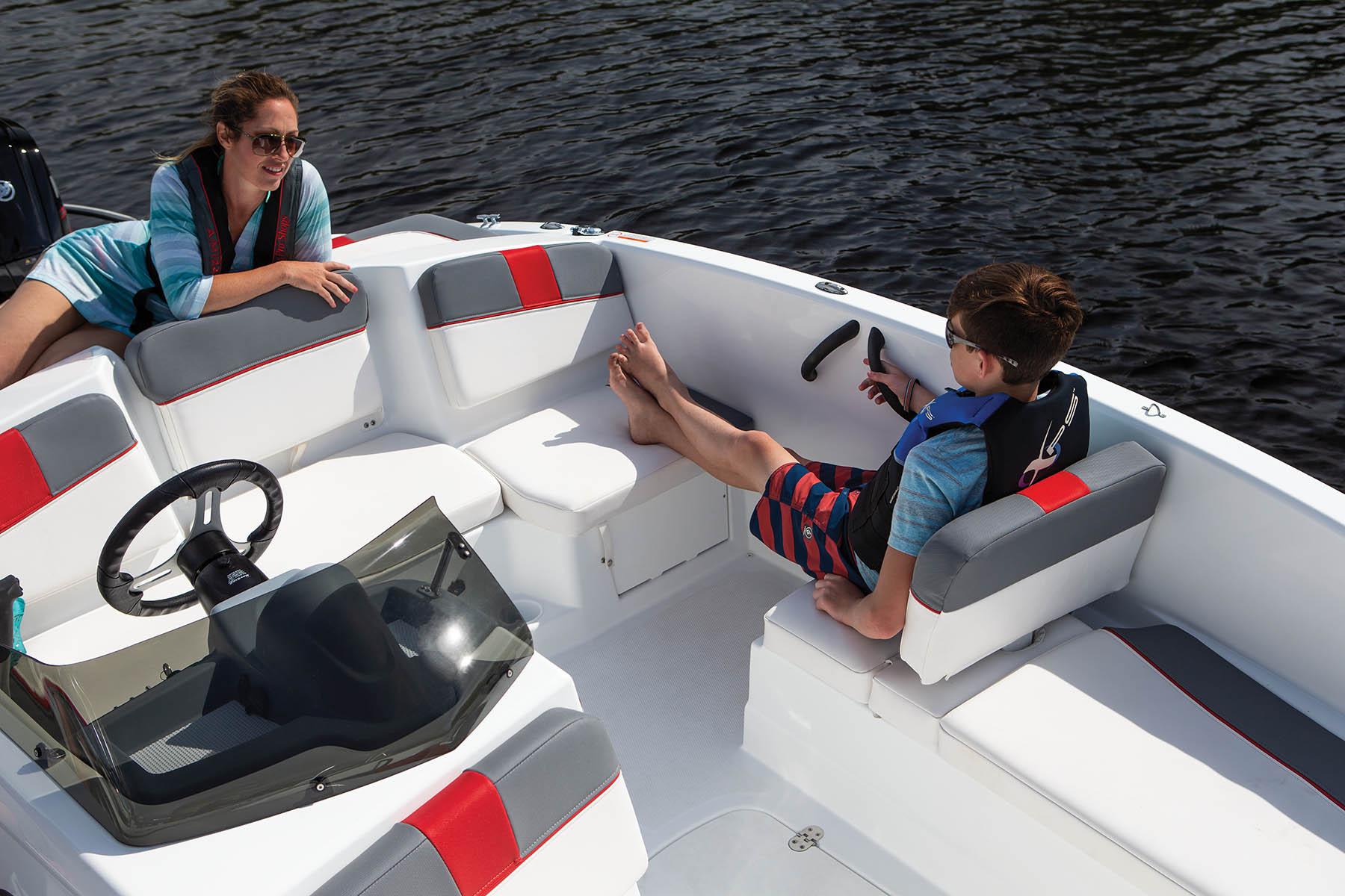 New  2021 Tahoe Boats Bow Rider in Marrero, Louisiana