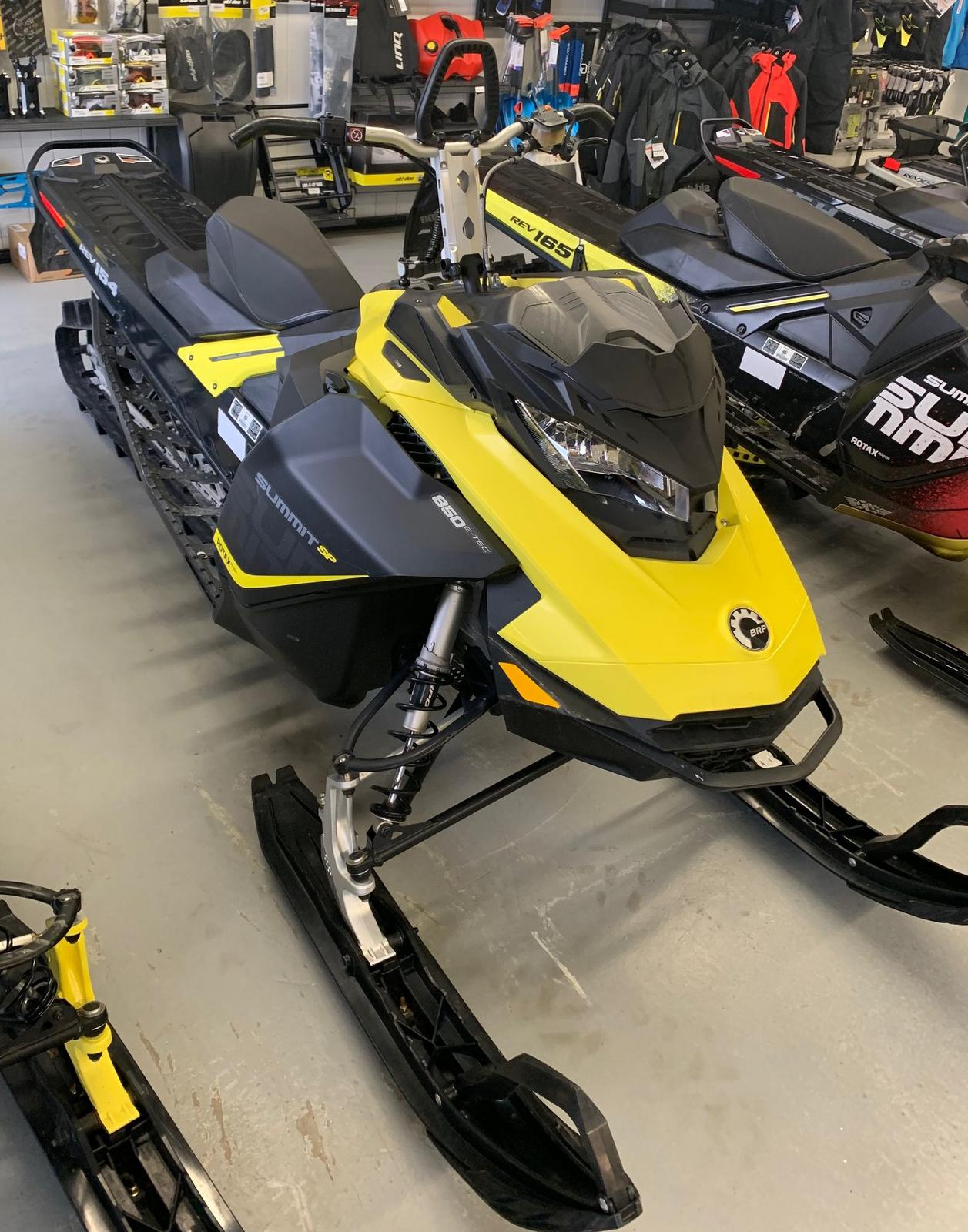 2017 Ski Doo Summit Sp 850 Etec 154