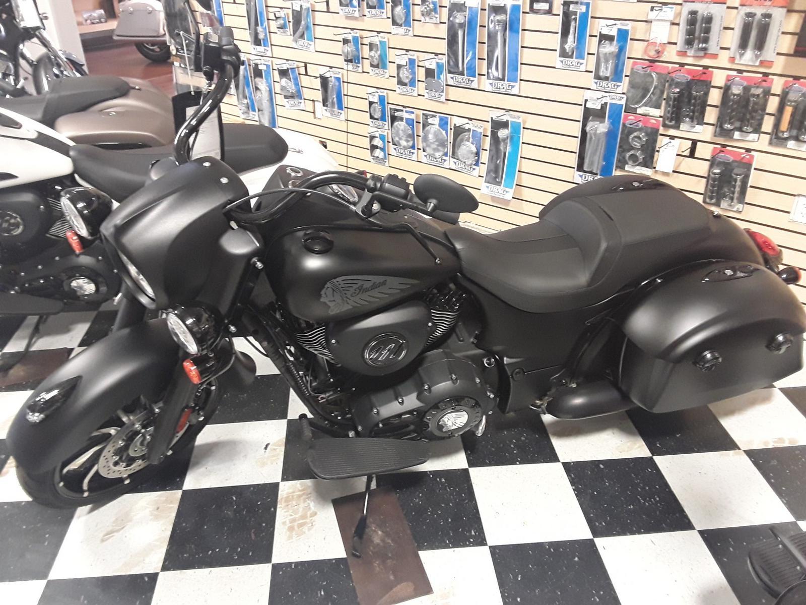 2019 Indian Motorcycle Indian Springfield® Dark Horse®