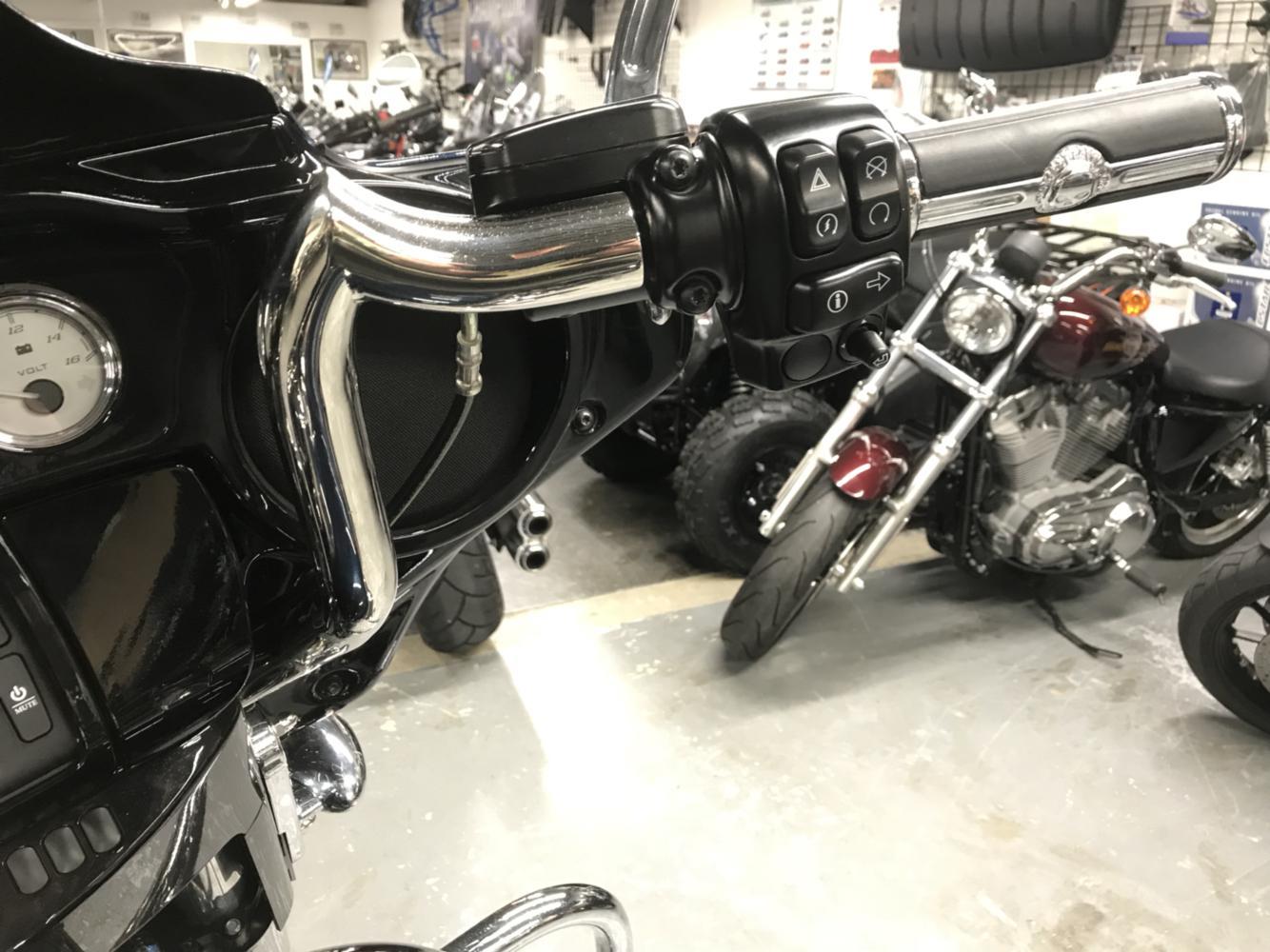 2016 Harley-Davidson FLHXS - STREET GLIDE SPECIAL 9