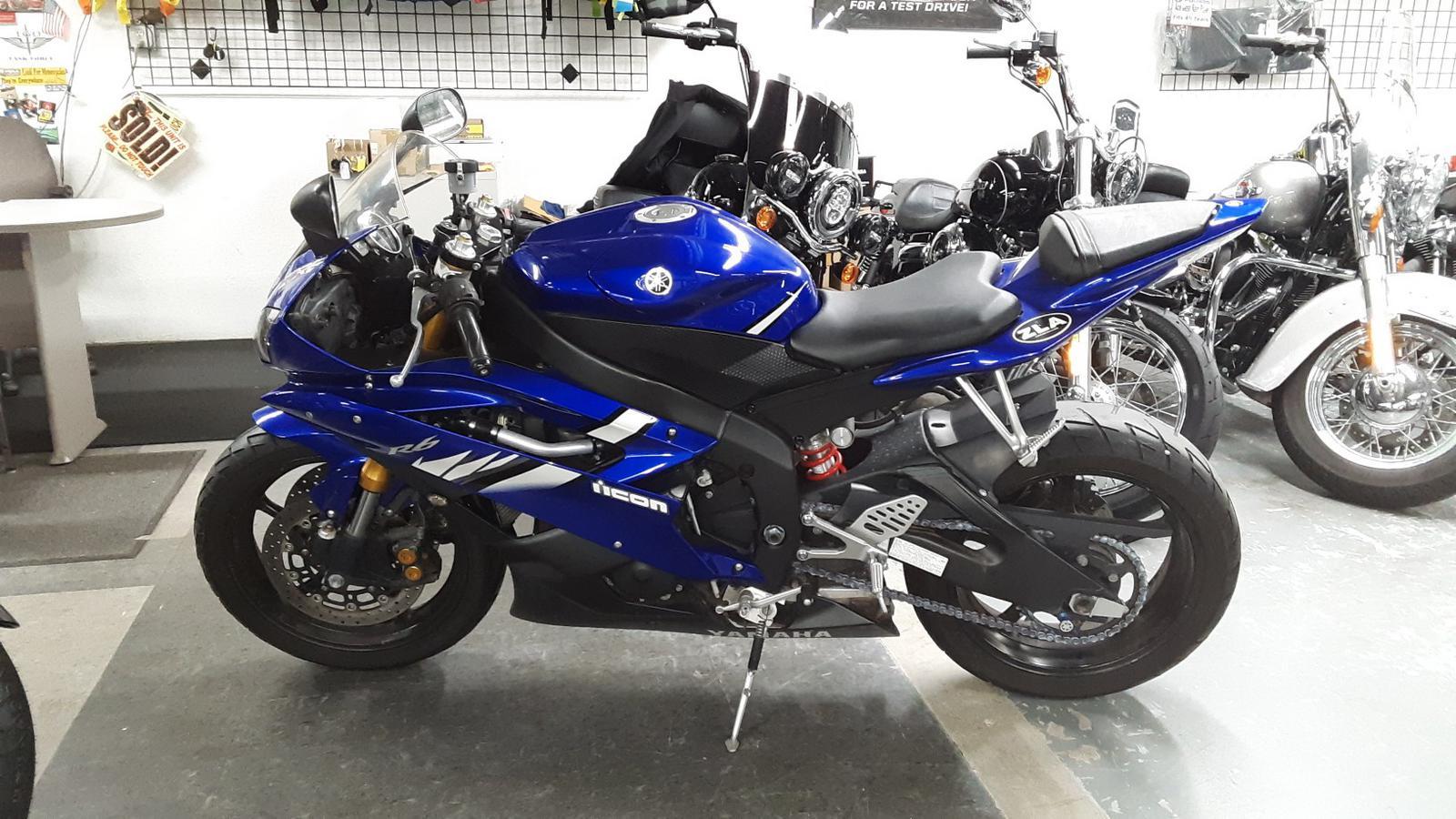 2006 Yamaha YZF-R6 8