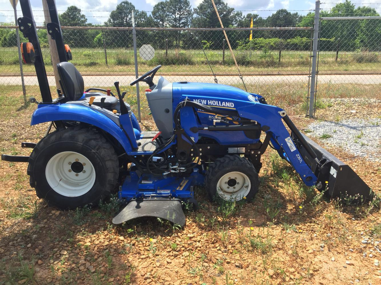 2016 New Holland Agriculture Boomer 24 w/ 60