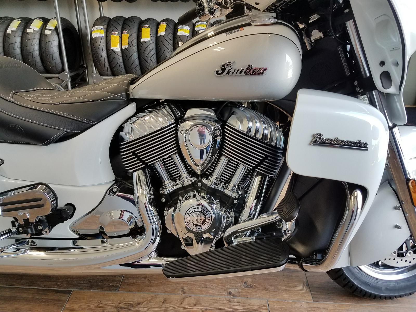 2018 Indian Motorcycle Roadmaster Prl White Silver 49st For Sale 89 Honda Elite Wiring Previous