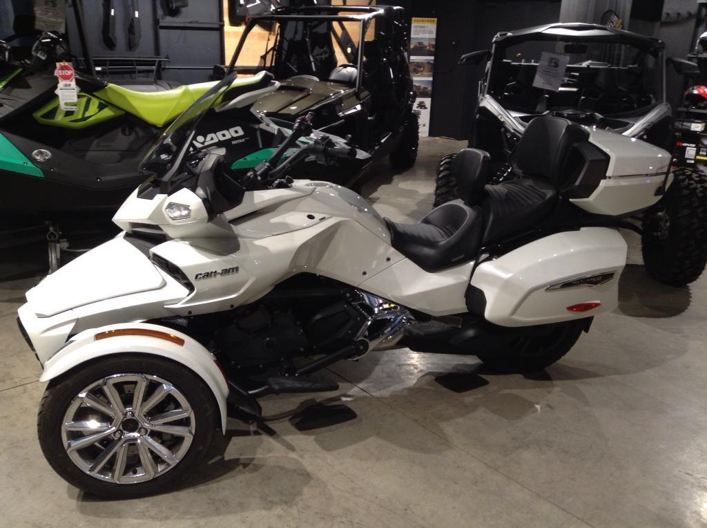 2017 Can-Am ATV Spyder® F3 Limited Se6